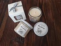 Svietidlá a sviečky - Sviečka zo 100% sójového vosku v skle - Černica - Darčeková krabička - 9277102_