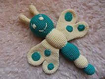 Hračky - Krásny háčkovaný motýlik - 9275013_