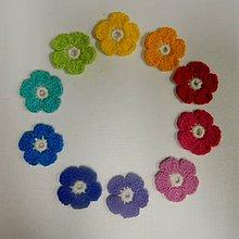Materiál ručne robený - Háčkované  kvety - 10ks v balení dúhové farby - 9278242_