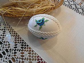 Dekorácie - Kraslica vyšívaná kvietok modrý - 9280553_