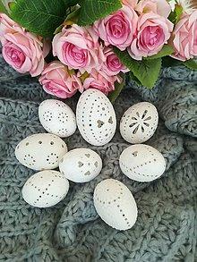 Dekorácie - Sada bielych madeirových kraslíc - 9281304_