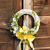 Dekorácie - Venček na dvere so žltou orchideou - 9281196_