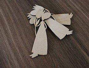 Polotovary - dievča s kvetom - 9279665_