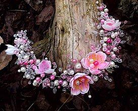 Ozdoby do vlasov - náhrdelník alebo ozdoba do vlasov - venček, čelenka - čerešňové kvety - 9283471_