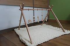 Hračky - Drevená hrazdička pre bábätko BABY GYM - 9285279_