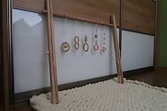 Hračky - Drevená hrazdička pre bábätko BABY GYM - 9285289_