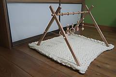 Hračky - Drevená hrazdička pre bábätko BABY GYM - 9285300_