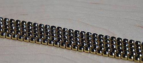 Galantéria - Štrasová borta zlatá - čierna 2mm, 0.30€/10cm - 9283304_
