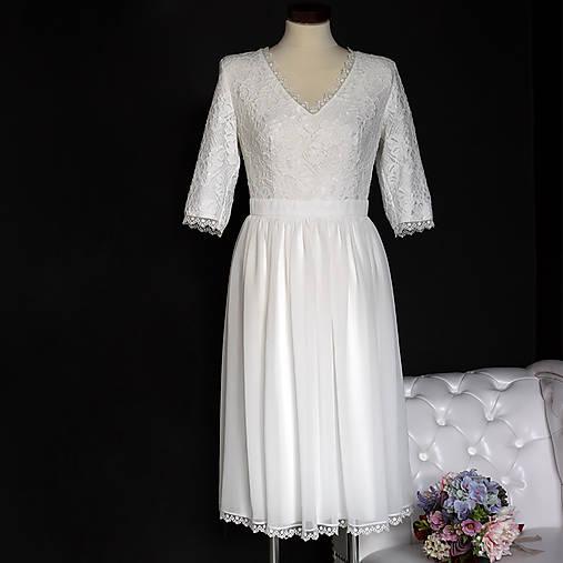 Krátke svadobné šaty vo vintage štýle