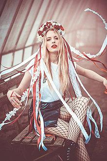 Ozdoby do vlasov - Menšia červeno biela folklórna parta - 9287070_