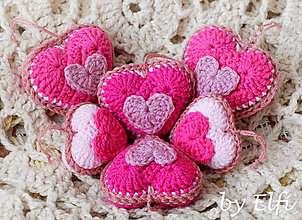 Dekorácie - Háčkované srdiečka ♥ v rôznych odtieňoch ružovej - 9286568_