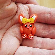 Dekorácie - FIMO veľkonočný zajačik 3 - s mašličkou - 9288183_