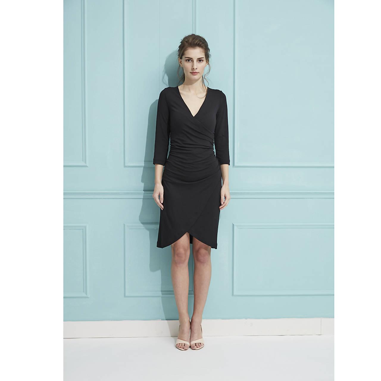 Šaty s riasením (čierne)