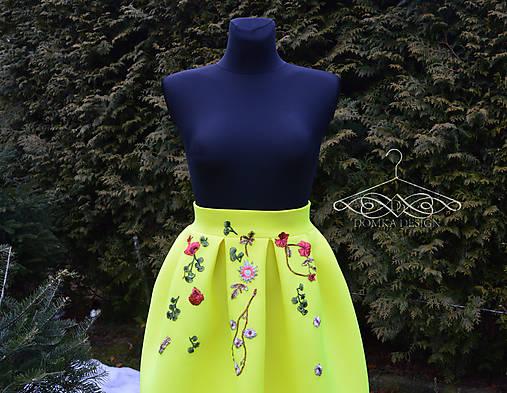 5a1996ab031d Žltá skladaná sukňa s výšivkami   domkadesign - SAShE.sk - Handmade ...