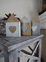 Dekorácie - Drevené srdiečkové domčeky - 9290559_