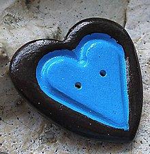 Odznaky/Brošne - keramický ozdobný gombík srdce - 9294129_