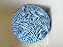 Háčkovaný PUF svetlomodrý bavlna