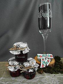 Nádoby - Gravírovaný pohár s ľudovým motívom - 9300522_