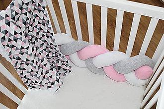 Textil - Ružošed, zapletaný mantinel do postele alebo postieľky, rôzne dĺžky a farby (300 cm) - 9300583_