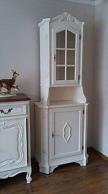 Nábytok - Vitrínka biela so zlatým - 9301653_