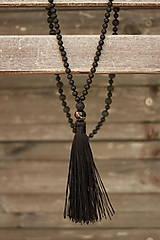 - Mala náhrdelník z minerálov a strapcom láva, onyx - 9301829_