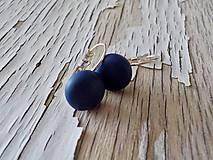 Náušnice - farebné ďobky na francúzskom háčiku (tmavo modrá) - 9302067_