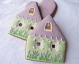 Dekorácie - Medovníkový levanduľový domček - 9303751_