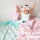 Textil - Detská deka jednorožci na ružiach a mentole - 9303771_