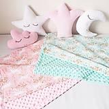 Textil - Detská deka jednorožci na ružiach a mentole - 9303790_