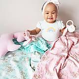 Textil - Detská deka jednorožci na ružiach a mentole - 9303799_