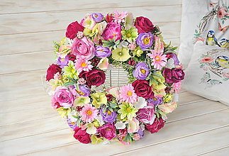 Dekorácie - kvetinový veniec - 9303471_