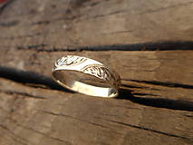 Iné šperky - Gravírovaná obrúčka biela - 9304540_