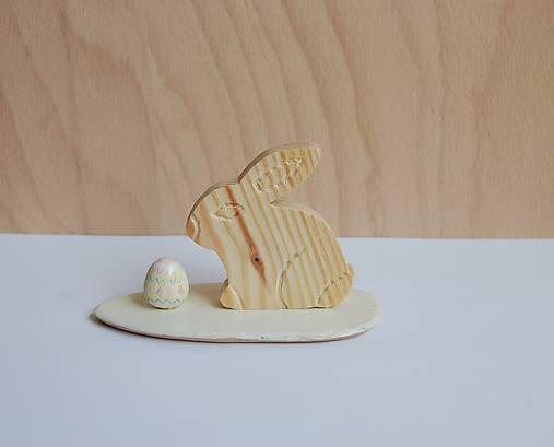Dekorácia z dreva - Veľkonočný zajačik 1