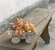 Dekorácie - Veľkonočná dekorácia so zajačikom na vozíku - 9310329_