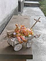 Dekorácie - Veľkonočná dekorácia so zajačikom na vozíku - 9310330_