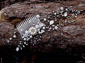 Ozdoby do vlasov - hrebienok strieborný - štrasové lístky - 9309237_