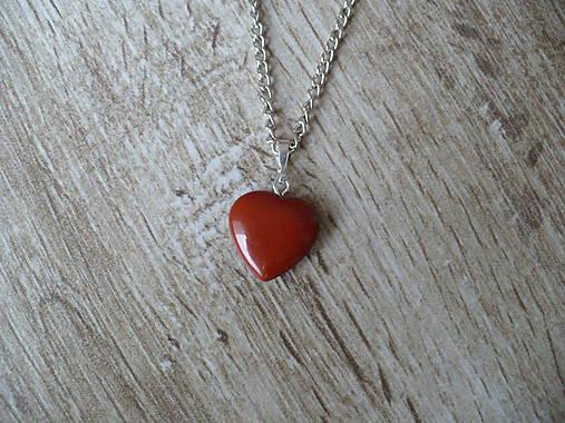 Prívesok menšie srdce z červeného Jaspisu   24nika - SAShE.sk ... 27fdbdcf803