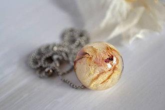 Náhrdelníky - Náhrdelník Gulička s ružou (2397 A CHO) - 9313683_