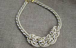 Náhrdelníky - Uzlový náhrdelník bielo smotanovo zlatý č. 1894 - 9313236_