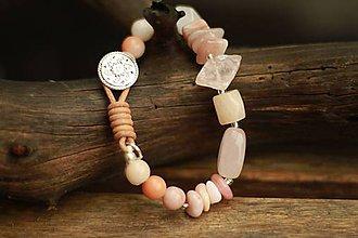 Náramky - Boho náramok z minerálov aventurín, ruženín, opál, slnečný kameň - 9314798_