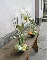 Jarná dekorácia s kohútikom
