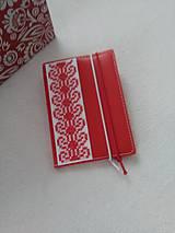 Papiernictvo - Zčervená (vyšívaný zápisník) - 9316390_