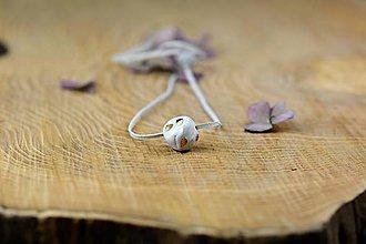 Náhrdelníky - náhrdelník Gorálka (1 cm - Biela) - 9316400_