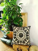 Úžitkový textil - MANDALA HARMÓNIE-harmonizačný ručne maľovaný vankúš - 9316380_