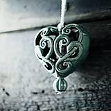 Dekorácie - Vyřezávané srdce modré - 9316114_