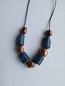 Náhrdelníky - Náhrdelník z keramických korálok - 9316130_