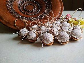 Dekorácie - Dekoračné oriešky Ivory Love elegant 15 ks - 9323669_