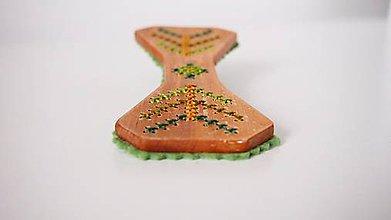 Odznaky/Brošne - Motýlik - zelená dúha FOLK - 9323372_
