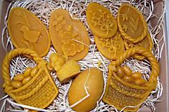Dekorácie - Veľkonočné ozdoby z včelieho vosku v darčekovej krabici - 9321737_