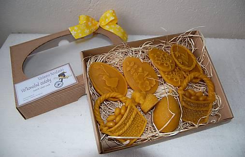 Veľkonočné ozdoby z včelieho vosku v darčekovej krabici